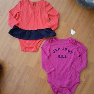 Baby Gap girls 2pc lot set 18-24mos